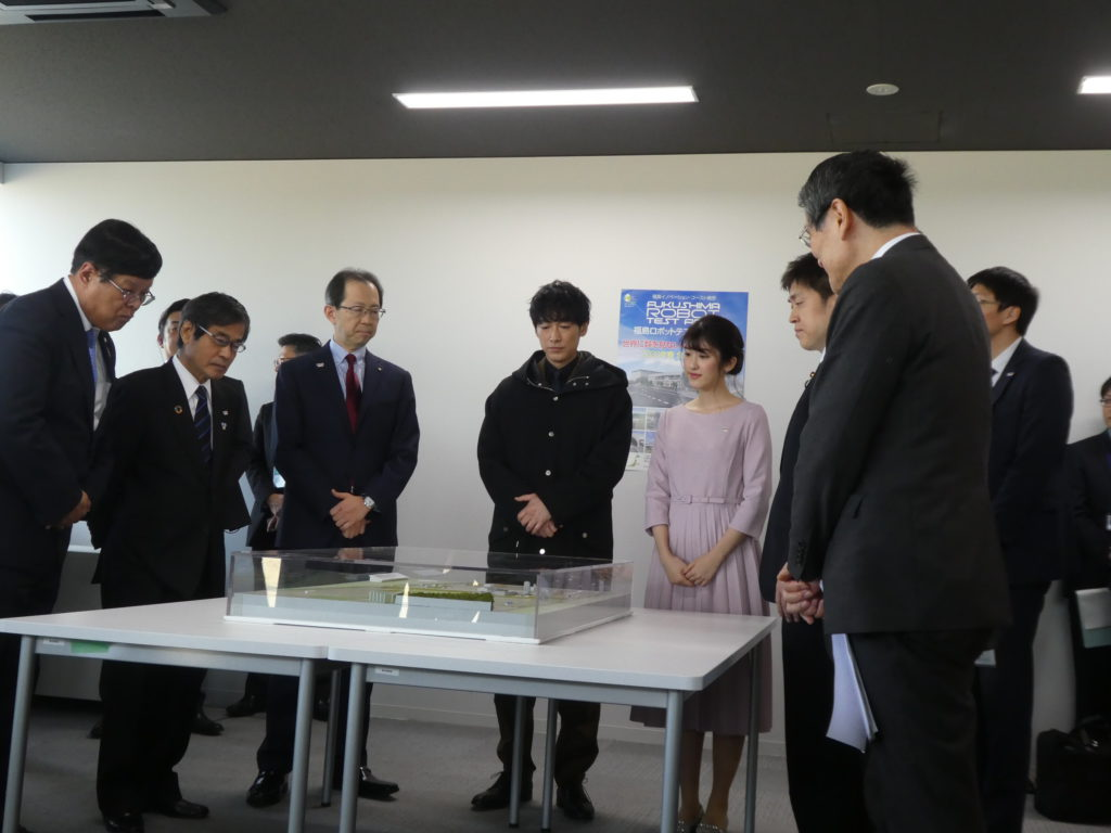 WRS大使ディーン・フジオカさん、応援サポーターの杉本雛乃さんが、福島RTFを視察しました!;