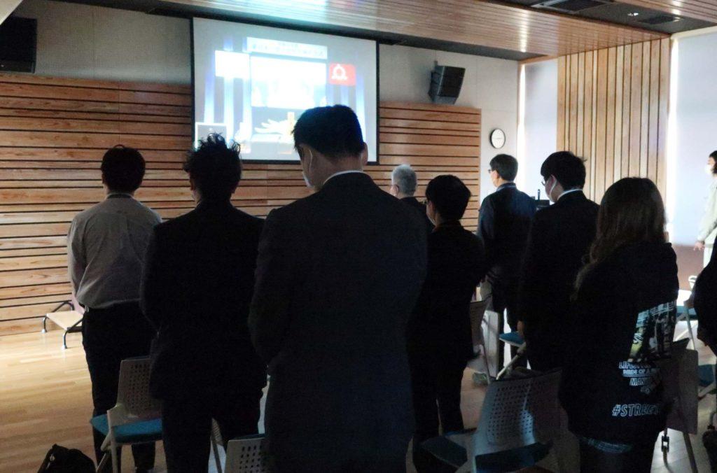 東日本大震災追悼復興祈念式をカンファレンスホールで上映しました!-1