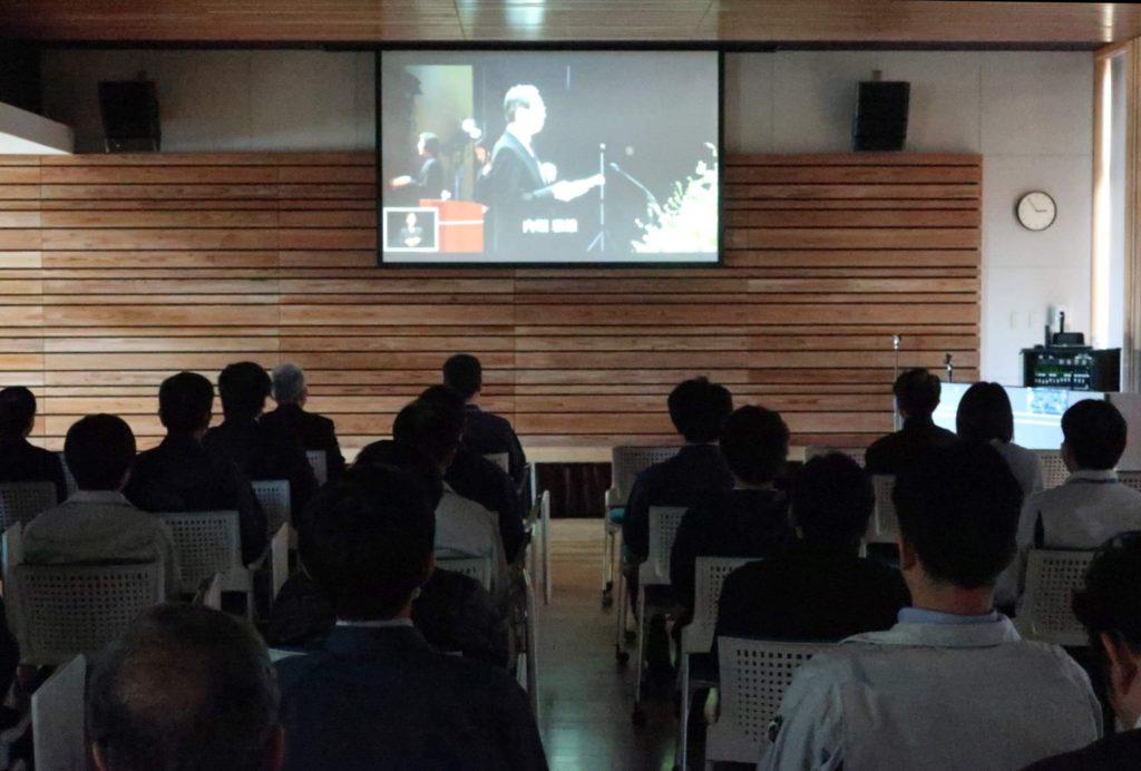 東日本大震災追悼復興祈念式をカンファレンスホールで上映しました!;