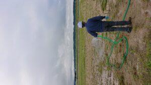 芝生化実証実験を開始しました;